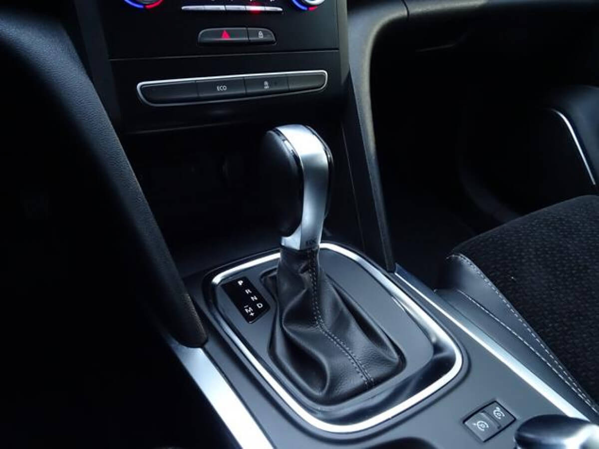 ¿Qué es mejor un cambio automático o manual?